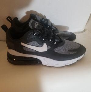 Nike 270 airmax size 11